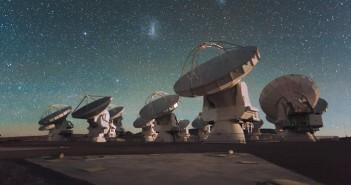 Atacama Large Millimeter Array. Авторски права: ESO/C. Malin