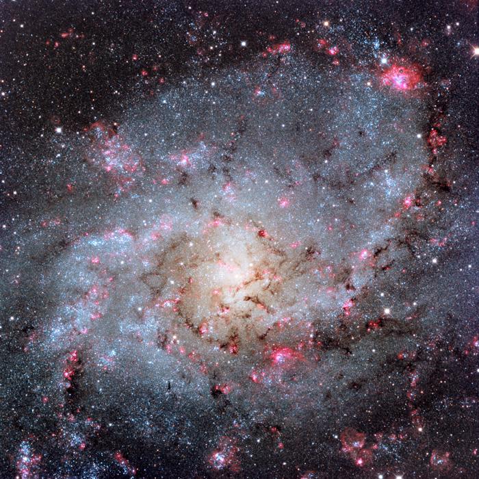 Галаксијата Триуангулум - М33