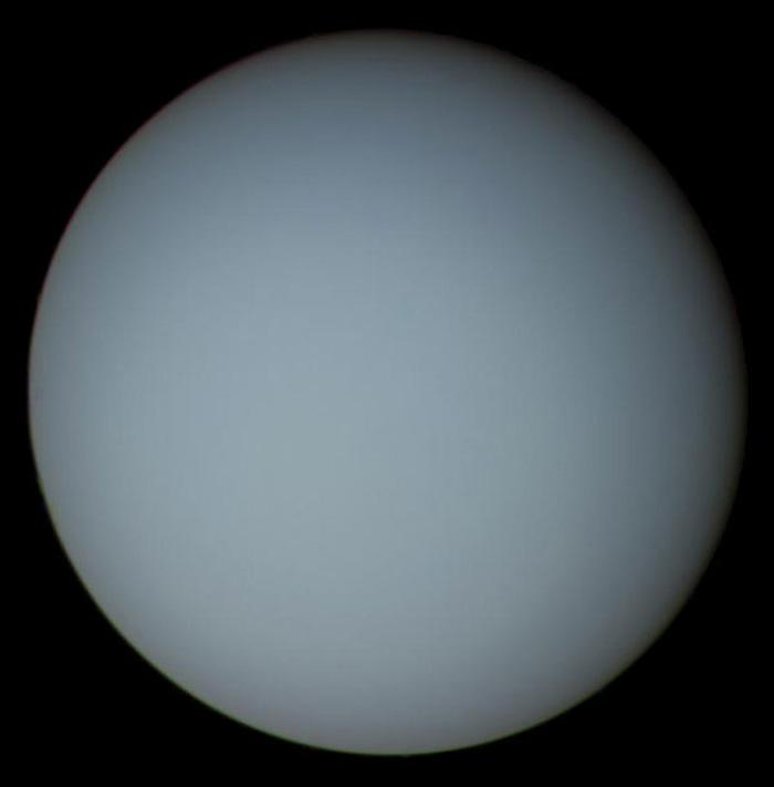 Оваа слика од Уран е композиција од повеќе фотографии кои се добиени на 17 јануари 1986 од камерата на Војаџер 2.