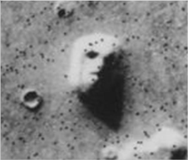 """""""Лицето"""" на Марс - видено од Викинг"""