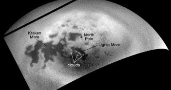 Камерите на леталото Касини забележаа формирања на облаци кај северниот пол на Сатурновата месечина Титан.