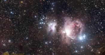 Маглината М42, попозната како Орионовата маглина. Сликата е комбинација од 34 експозиции, на ISO 1600, 2 минути за секоја експозиција. Обработката е направена во PixInsight.