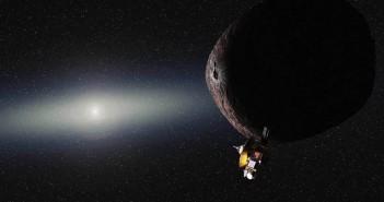 Уметнички приказ на Нови Хоризонти во прелетот покрај објект сличен на Плутон во далечниот Кајперов Појас. Заслуга: NASA/JHUAPL/SwRI/Alex Parker
