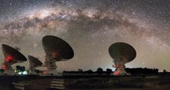 Материјата која недостасуваше е пронајдена! Брзите радио импулси го потврдуваат космолошкиот модел
