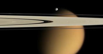 Каде што ниедно друго летало до сега не било. Заслуги: NASA/JPL/Space Science Institute