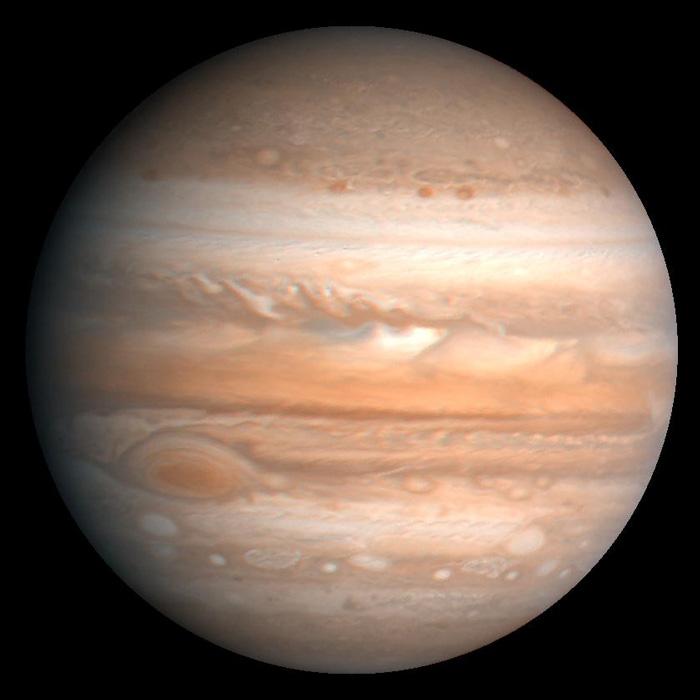 Слика од Јупитер направена од Војаџер во 1979 г.