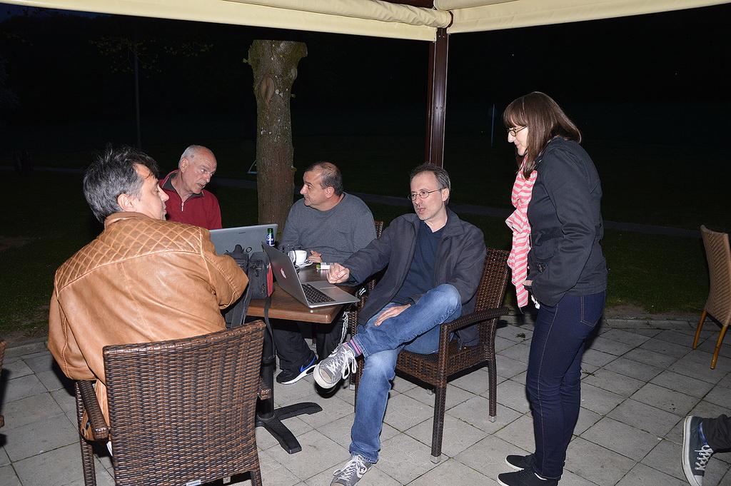 Astronomski razgovori vo nocta