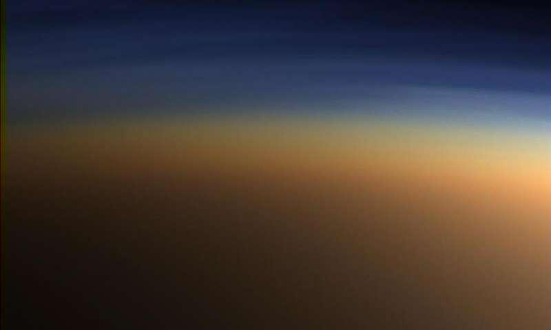 Атмосферата на Титан е многу послична на нашата од досегашните мислења