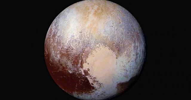 Ледени рамнини и јаглеводородна магла забележани на Плутон