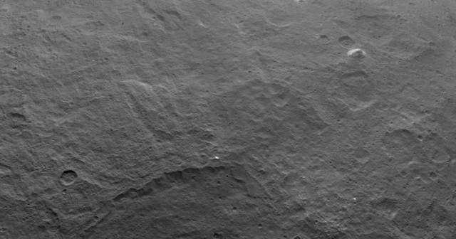 """""""Пирамида"""" висока 5 километри забележана на Церера"""