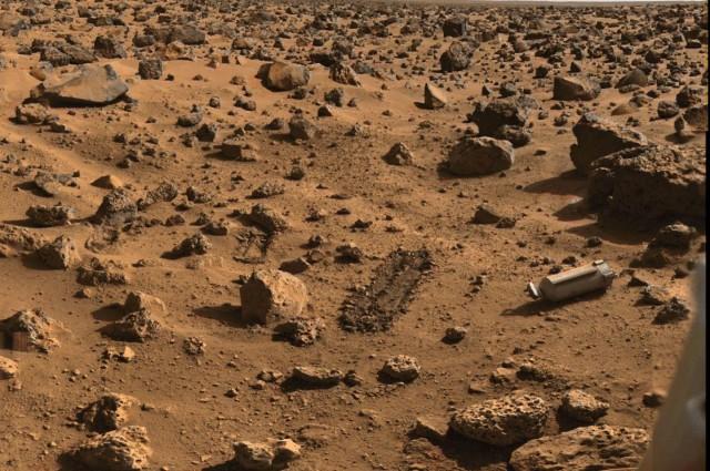 Фотографија направена од леталата Викинг во 70-тите години за време на нивната мисија за потрага по живот на Марс. Станува збор за најдолгата потрага по живот на оваа планета. Извор: НАСА.