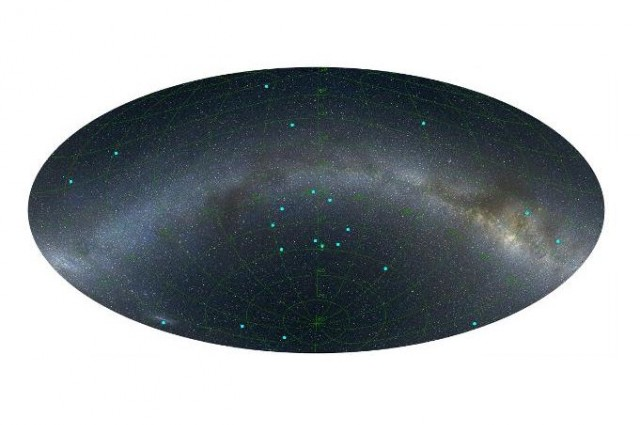 Прстенот од девет галаксии е во центарот на оваа слика. Заслуга: Л. Балаж
