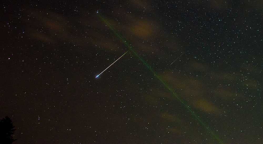 Персеид - болид, кој го осветли небото над Отешево. Заслуги: Александар Алексов