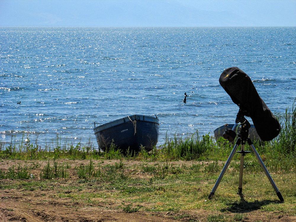 Телескопите наутро беа уморни од целовечерна работа. Заслуги: Марина Димовска
