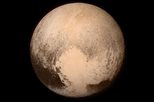 Шест фасцинантни факти за Плутон