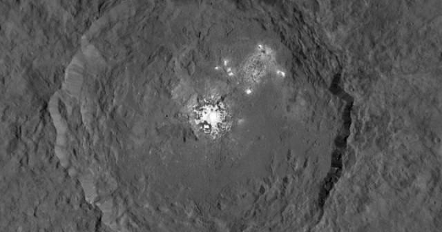 НАСА смета дека мистеријата за светлите точки на Церера е решена