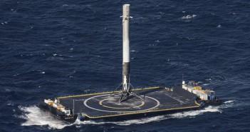 Еве зошто треба да се заинтересираме за слетувањето на ракетата на SpaceX на товарен брод кој плови