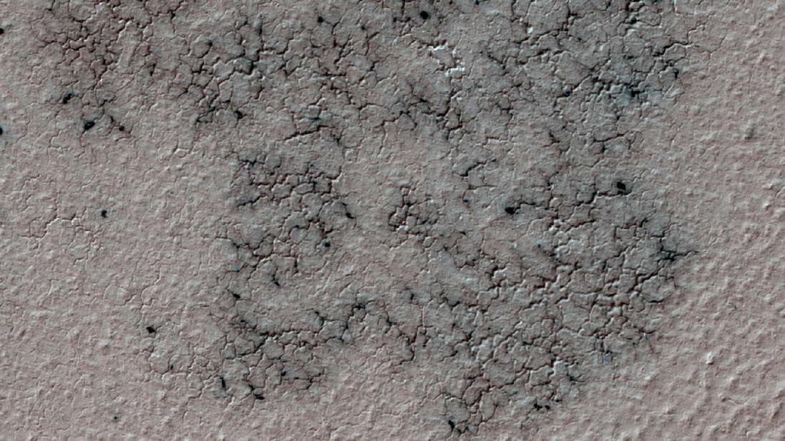 """Научници-граѓани помагаат да се лоцираат """"пајаците"""" на Марс"""