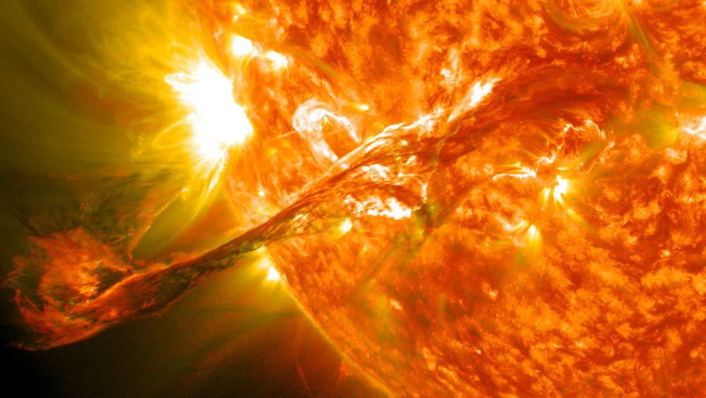 Колкави се шансите огромен Сончев блесок наскоро да ја погоди Земјата?