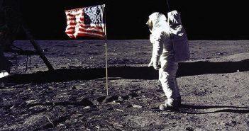 Луѓето биле на Месечината