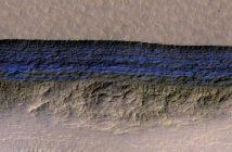 Стрмни падини на Марс откриваат структура од закопан мраз