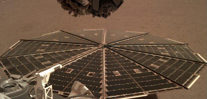 """Cондата Инсајт ги """"слуша"""" ветровите на Марс"""