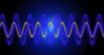 Фононите – со маса и негативна гравитација